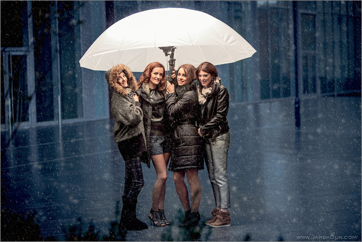 B*Witched Big Reunion photo shoot. Edele Lynch, Keavy Lynch, Lindsay Armaou, Sinéad O'Carroll. Music photography London.