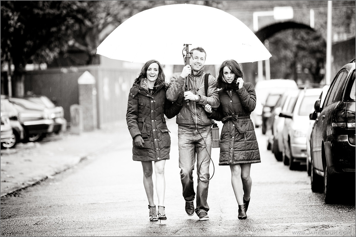 B*Witched Big Reunion photo shoot behind the scenes photo. Keavy Lynch, Lindsay Armaou.
